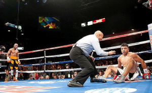 mayweather knockout 300x184 Mayweather   Ortiz