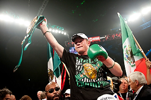 cozzone Canelo Lopez0418 When Should Mayweather Fight Alvarez?