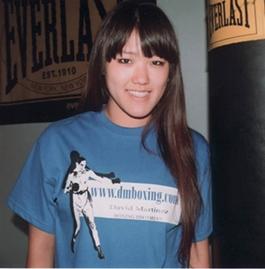 Jen - blue t-shirt-crop